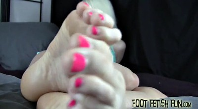Foot worship, Worship feet