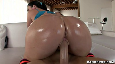 Oiled, Sophie dee, Moves