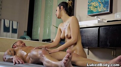 Jaye, Nuru massage
