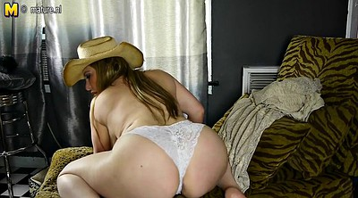 Booty, Housewife