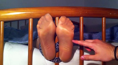 Tickling, Nylon feet, Tickleds