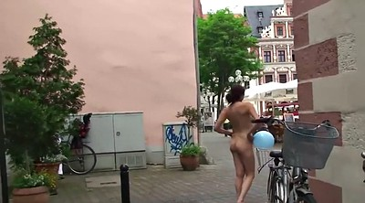 Outdoor naked, Naked public, Italy