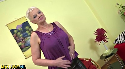 Granny masturbation, Undress