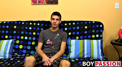 Interview, Solo gay, Max