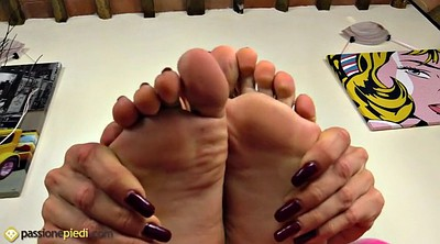 Nylon feet, Feet fetish