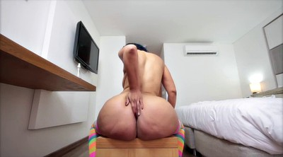 Colombian, Oiled ass