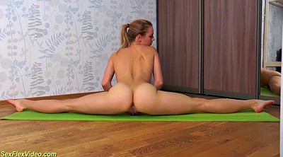 Young naked, Flexible