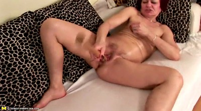 Mature, Mature mom, Mom pee, Mom hairy, Mature hairy, Hairy mom