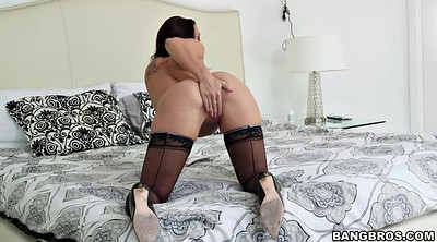 Pussy, On the bed, Pussy rub, Starr