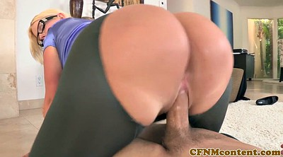 Sitting on face, Mature hd