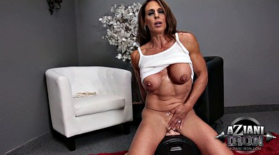 Insert, Solo orgasm, Muscle milf, Mature solo