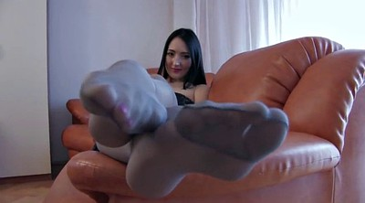 Pantyhose feet, Foot tease