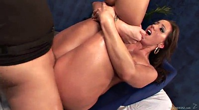 Kelly divine, Reality