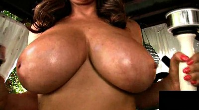 Matures, Natural tits