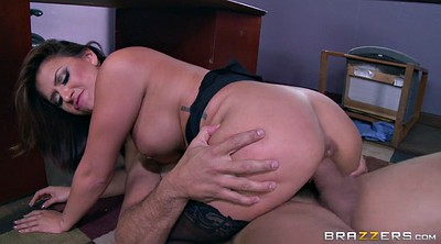 Boss, Eva, Eva angelina