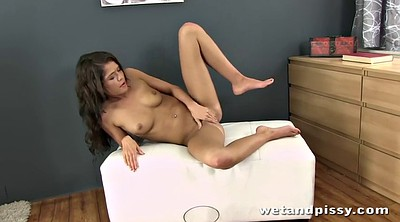 Plug, Anal plug, Pissing mouth, Piss anal, Pee in mouth, Butt plug