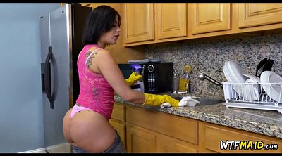 Latina maid, Maids