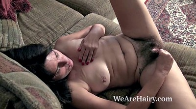 Hairy mature, Kelly