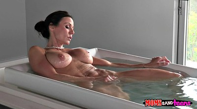Kendra lust, Solo shower