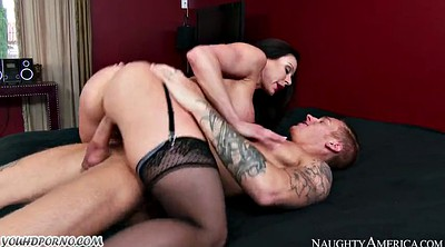 Kendra lust, Luxury