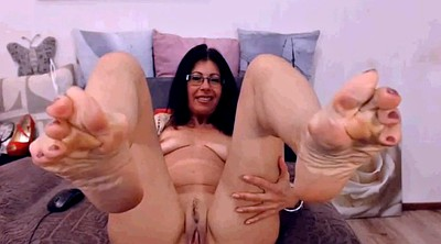 Milf feet, Mature feet