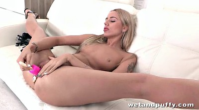 Display, Solo blonde, Finger in ass