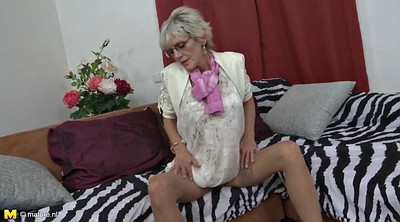 Mom son, Mom seduce, Mom seducing