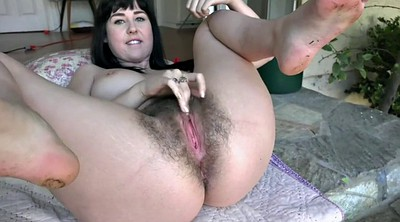 Showing pussy