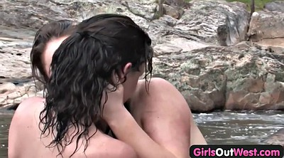 Lesbian cunnilingus, Fingering and licking