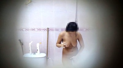 Shower voyeur, Arabs