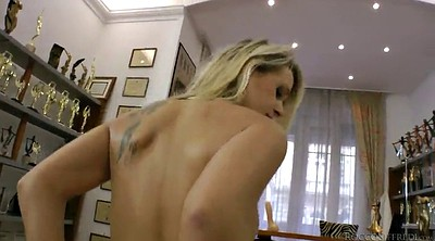 Pov blond cowgirl, Messy