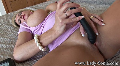 Close-up, Mature masturbating, Mature dildo