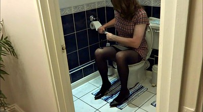 Bathroom, Alison, Anal plug