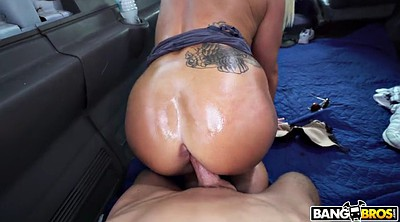 Bus, Booty