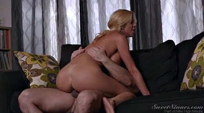 Alexis fawx, Watching