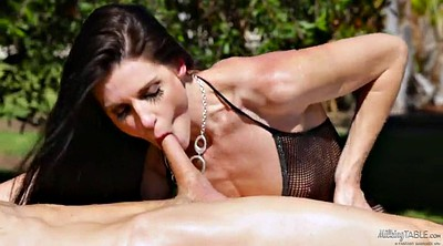 Wife massage, Outdoors