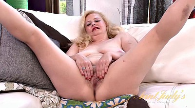 Hairy mature, Chubby solo