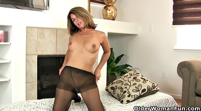 Mature pantyhose, Nylon mature