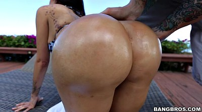 Ass worship, Big ass latina