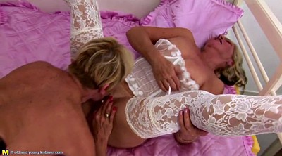 Lesbian old and young, Granny threesome