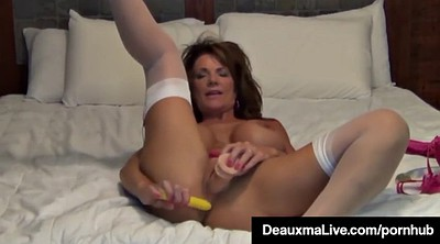 Mature solo, Mature squirting