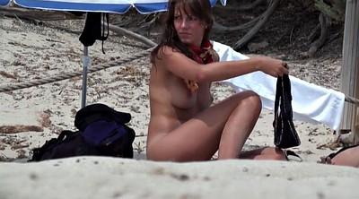 Nude beach, Pussy show