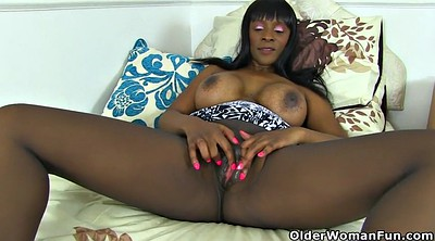 Black pantyhose, Mature pantyhose, Pantyhose mature