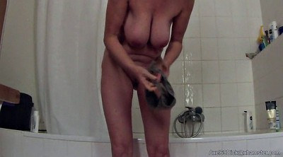 Saggy, Shower granny