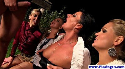 Party, Outdoors piss, Piss outdoors, Piss outdoor, Outdoor pee