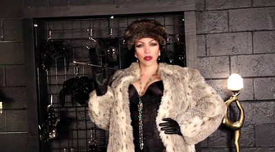 Smoking, Mistress t, Fur