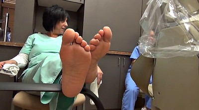Milf feet, Footing