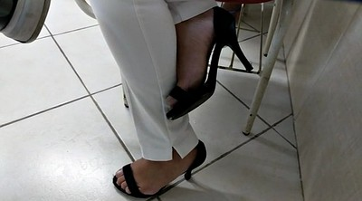 Feet, Hidden cam, Heels, College, Brazilian, Foot sole