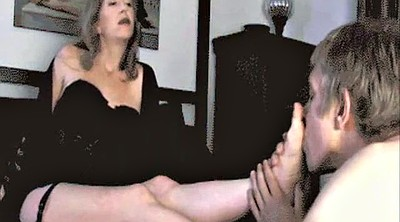 Moms, Feet mature