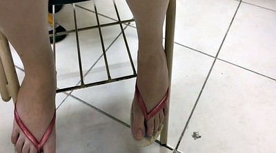 Girl feet, Toes, Flip flops, Brazilian foot